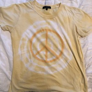 L.A. hearts yellow tie dye shirt with peace sign